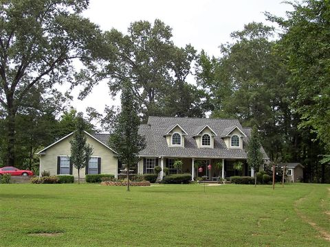 310 Lakewood Pl, Ashdown, AR 71822