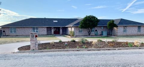 5501 Meadow Dr, San Angelo, TX 76903