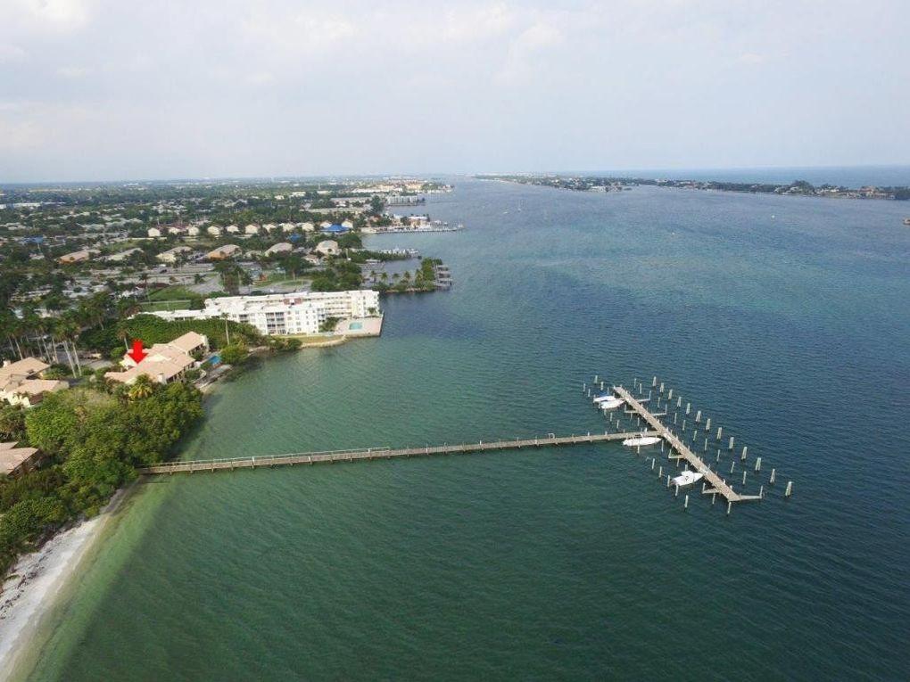 5 Via Lago, Boynton Beach, FL 33435