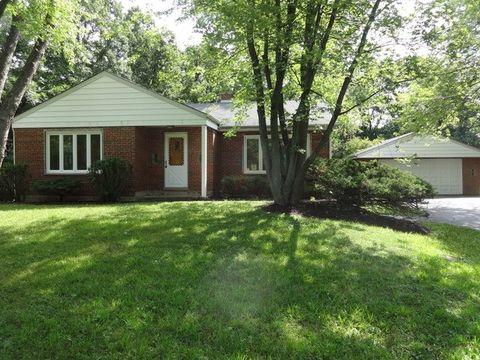 27065 N Longwood Rd, Lake Forest, IL 60045