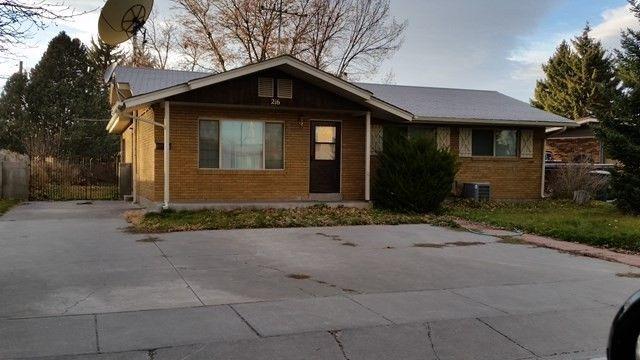 216 Jefferson St, Blackfoot, ID 83221