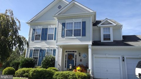Photo of 17229 Magic Mountain Dr, Round Hill, VA 20141