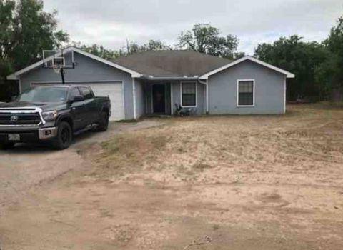 Photo of 916 C N Park St, Uvalde, TX 78801