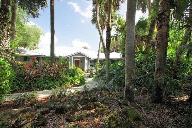 70 Whispering Oak Trl, West Palm Beach, FL 33411