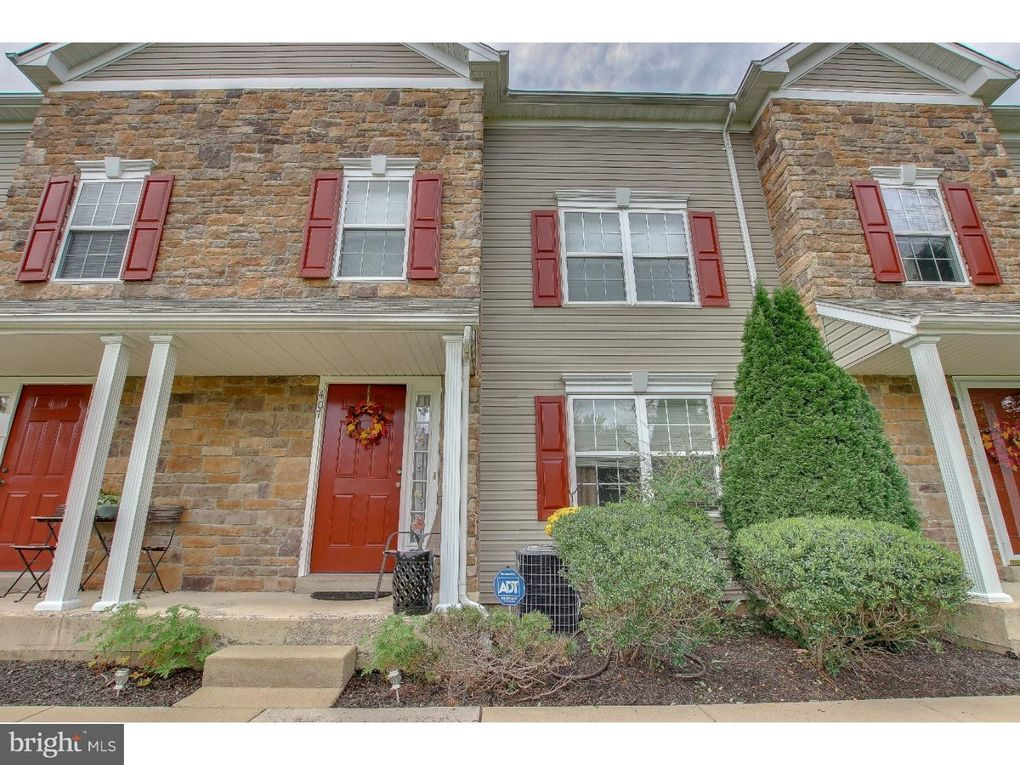407 Hosta Ct Warrington, PA 18976