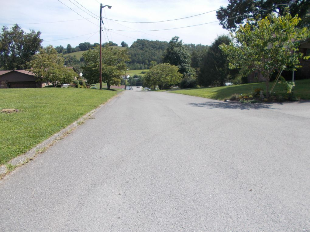 1084 Rowe St, New Tazewell, TN 37825