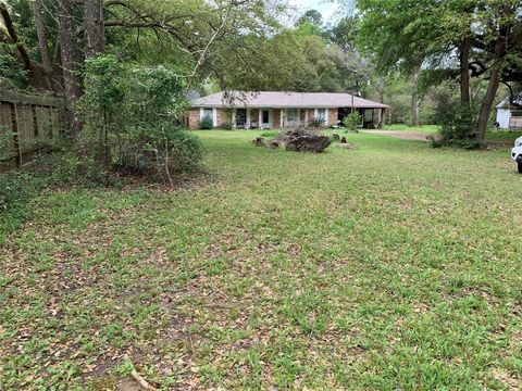Spring Tx Houses For Sale With Swimming Pool Realtor Com
