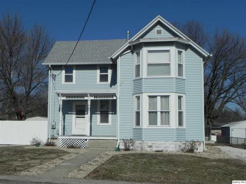 335 E South St, Mendon, IL 62351