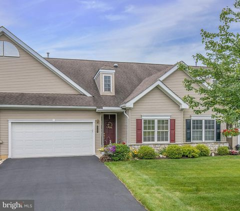 Photo of 2701 Terrwood Dr W, Macungie, PA 18062