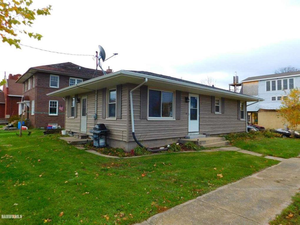 206 N Main St, Apple River, IL 61001