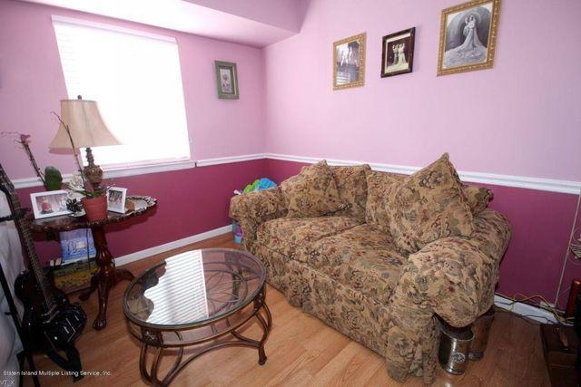 131 Corona Ave, Staten Island, NY 10306 - realtor.com®