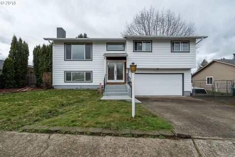 2053 Ne Maple Ave, Gresham, OR 97030. Single Family Home