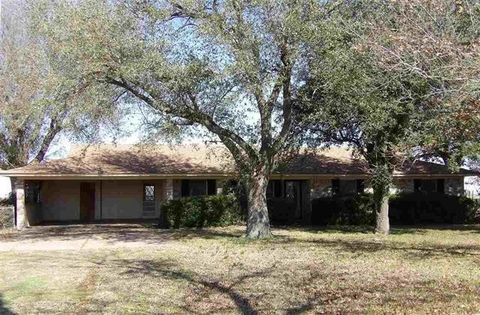 Photo of 9362 Farm Road 79, Sumner, TX 75486