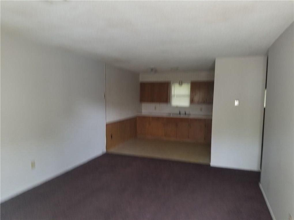 302 Benton St, Siloam Springs, AR 72761