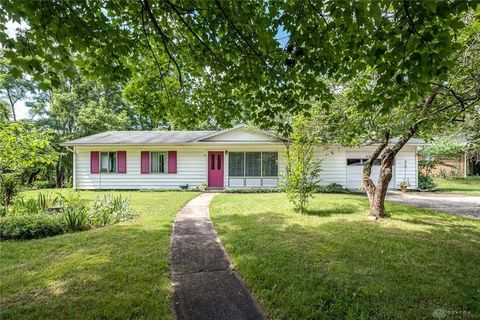 Photo of 601 Robinwood Dr, Yellow Springs, OH 45387