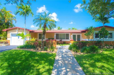 Kendall Point Miami Fl Real Estate Homes For Sale Realtor Com
