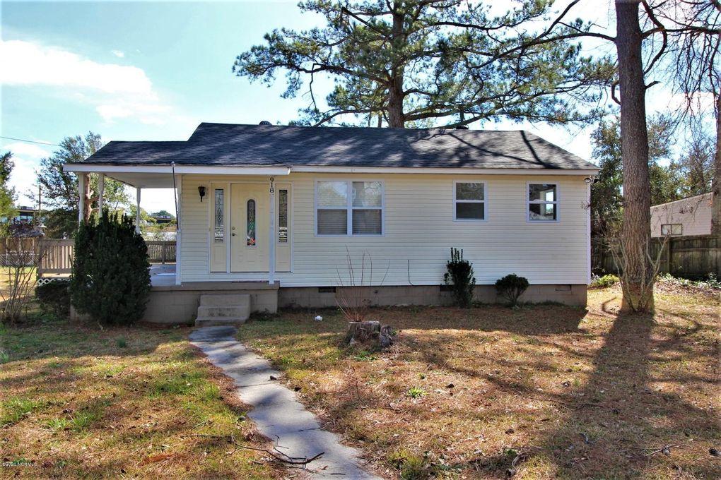 918 Meadows St New Bern, NC 28560