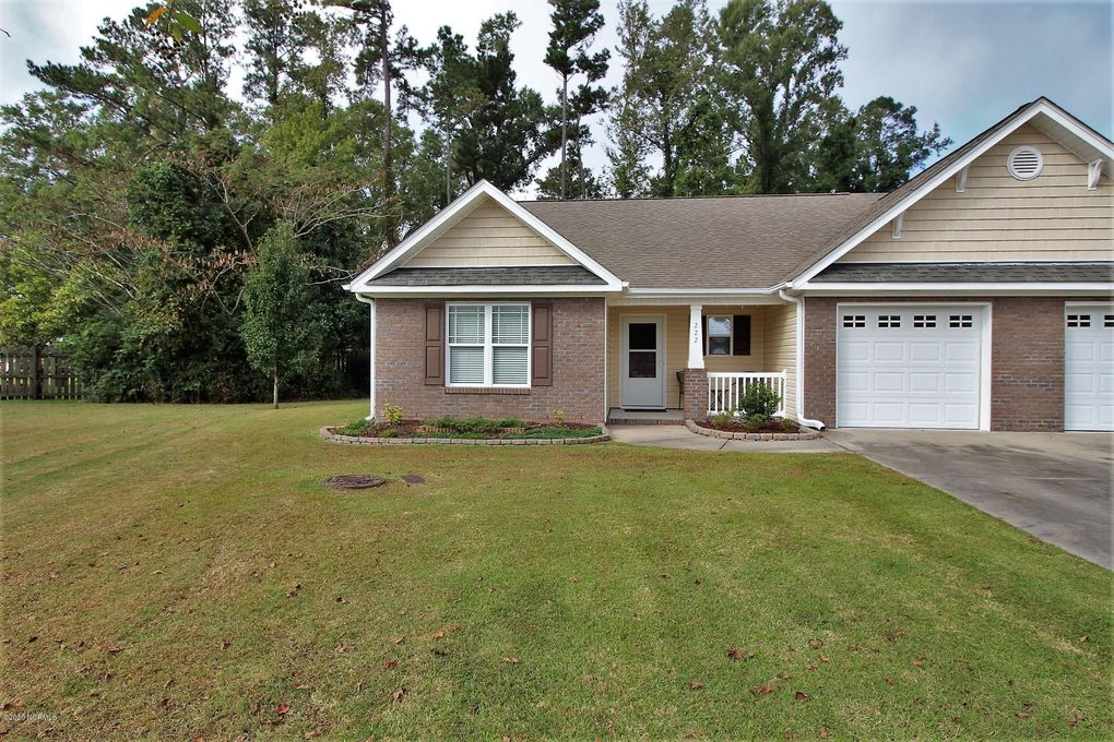 222 Kestrel Ct New Bern, NC 28560