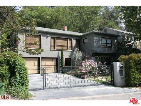 2940 N Beachwood Dr, Los Angeles, CA 90068