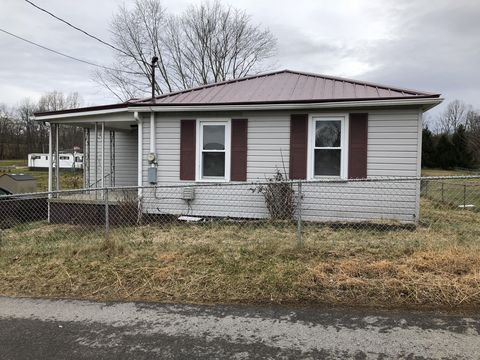947 Hickory St, Oak Hill, WV 25901