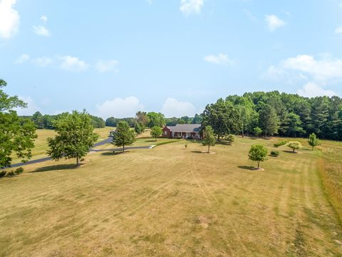 Photo of 4119 Ladd Springs Rd, Old Fort, TN 37362