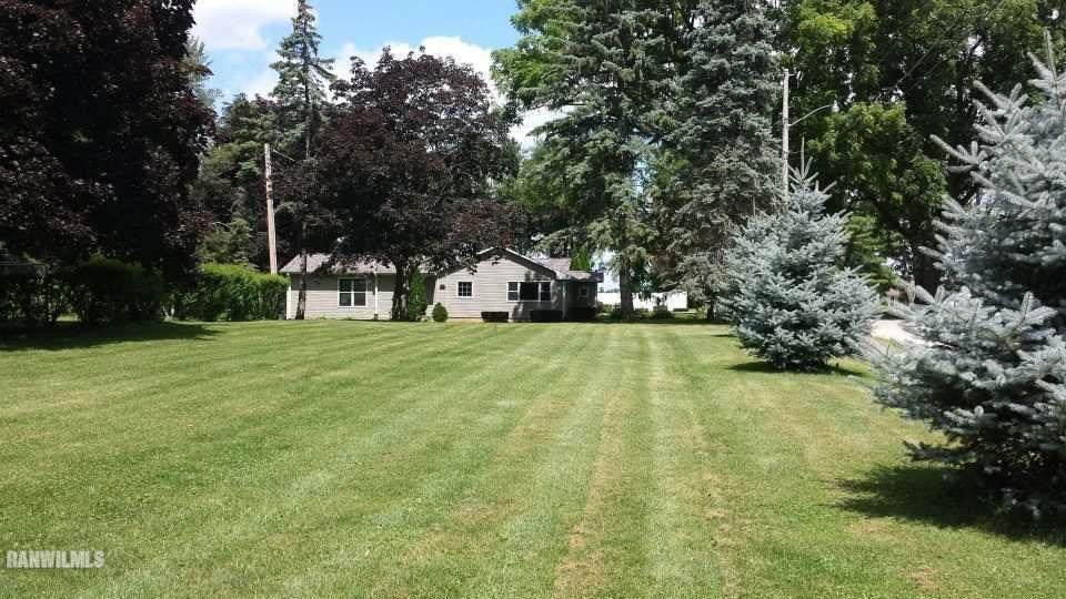 400 N Foster Ct Mount Carroll, IL 61053