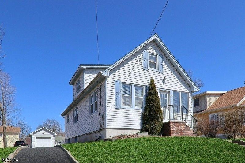 127 W Hanover Ave Morris Plains, NJ 07950
