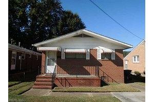 663 48th St, Newport News, VA 23607