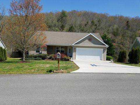 109 Pleasant View Dr, Oliver Springs, TN 37840