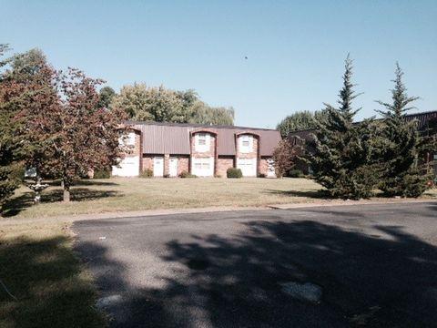 67 Country Club Dr Apt 10, Calvert City, KY 42029