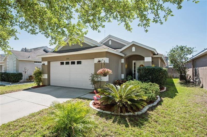 7535 Oxford Garden Cir, Apollo Beach, FL 33572 - realtor.com®
