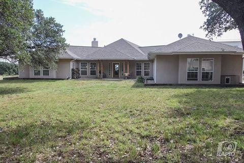 6238 Green Oaks Dr, Christoval, TX 76935