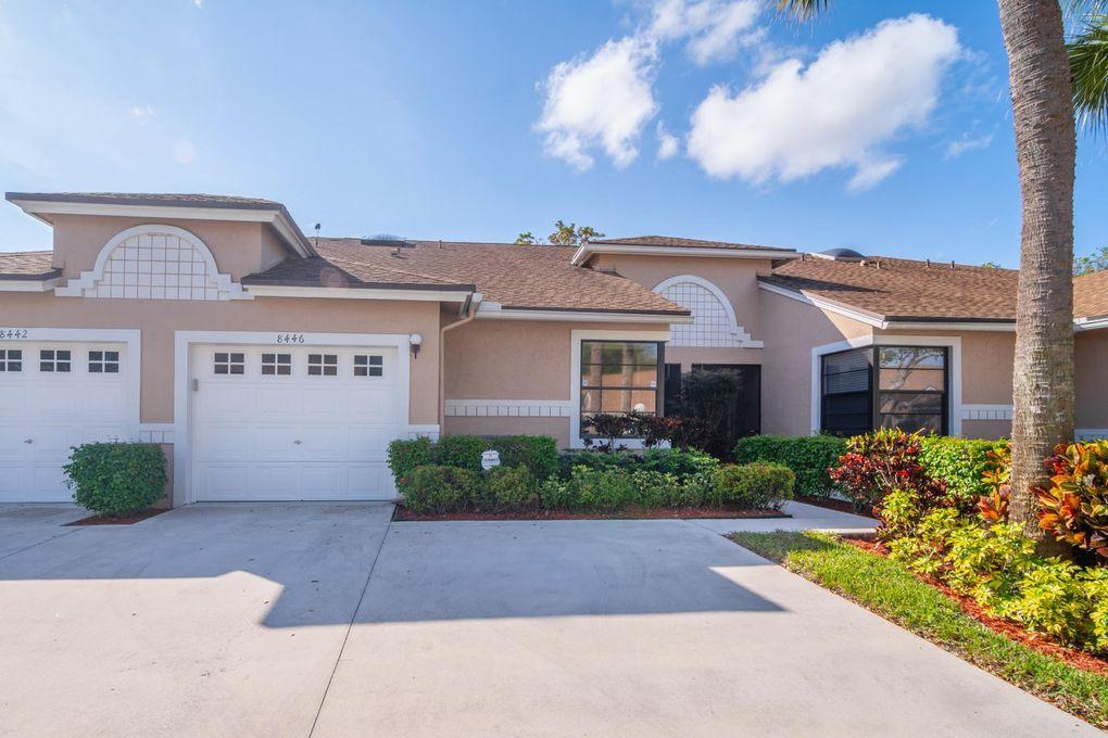 8446 Springlake Dr, Boca Raton, FL 33496