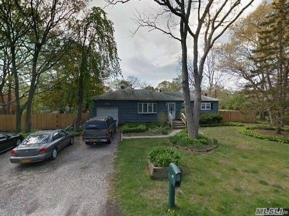 42 Southaven Ave Medford, NY 11763