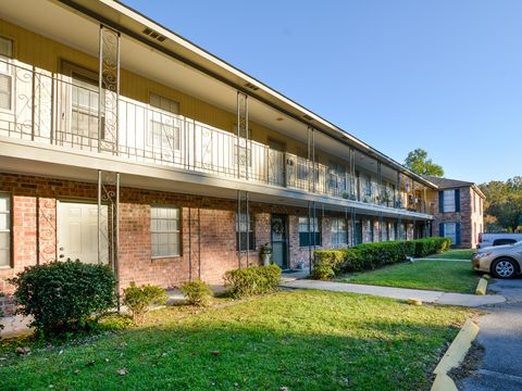 Photo of 6240 Old Point Rd Apt A12, Hanahan, SC 29410