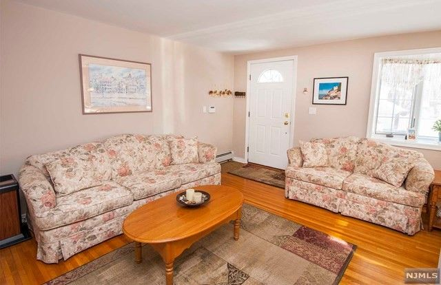 Awesome 96 Sussex Rd, Bergenfield, NJ 07621