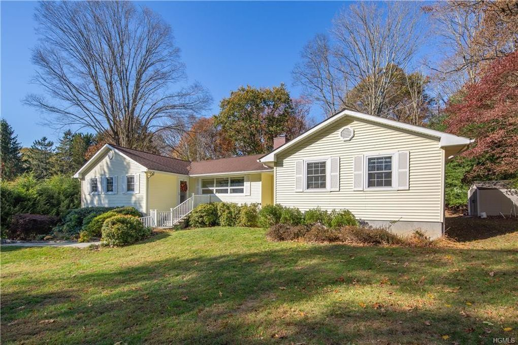 17 Dunhill Dr Somers, NY 10589
