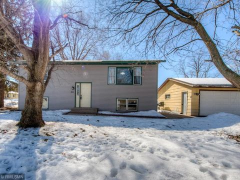 Photo of 484 6th St, Newport, MN 55055