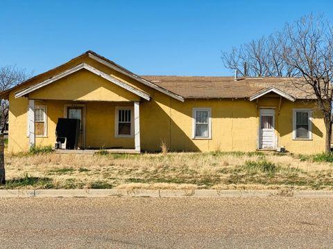 Photo of 855 S 8th St, Slaton, TX 79364
