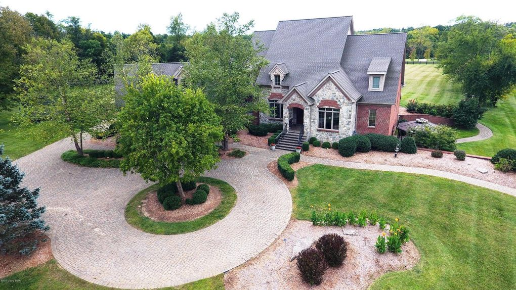 11 Persimmon Ridge Dr, Louisville, KY 40245