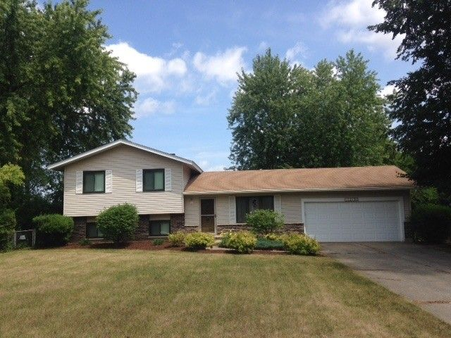 1210 hillside ln mchenry il 60051 home for sale real for 1703 river terrace johnsburg il