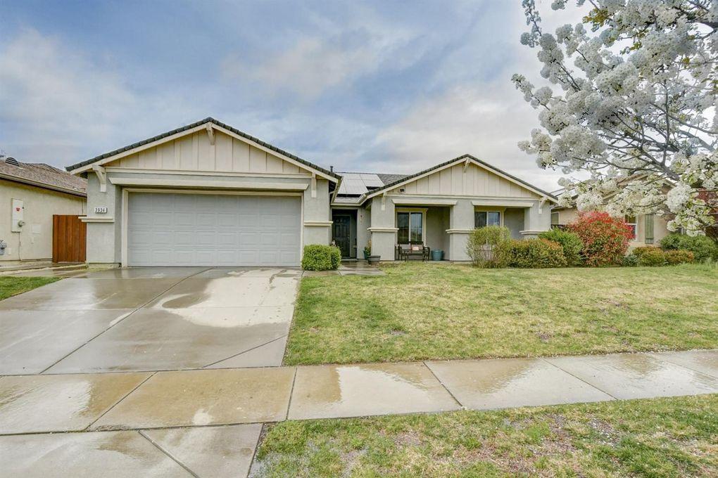 3934 Sophia St, Olivehurst, CA 95961