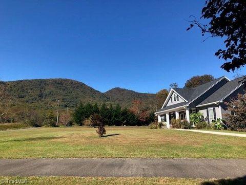 210 Mountain Valley Rd, Lambsburg, VA 24351
