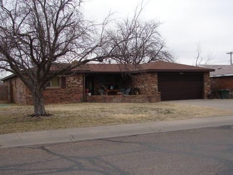 Photo of 1080 N Holly Dr, Liberal, KS 67901