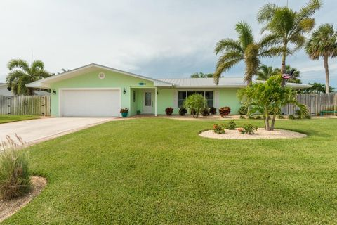 424 Oak Ridge Dr Indialantic FL 32903