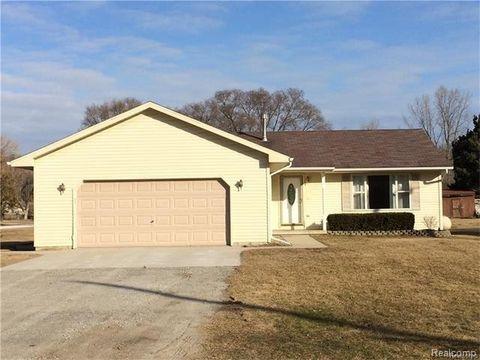 3296 Brace Rd, Fort Gratiot Township, MI 48059