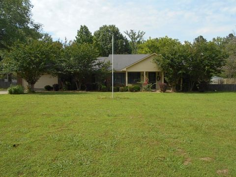 8251 Highway 7 S, Holcomb, MS 38940