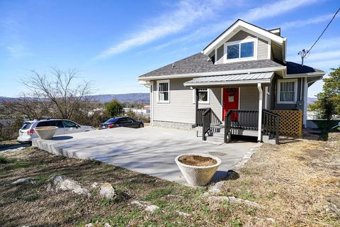 Photo of 2806 Dodds Ave, Chattanooga, TN 37407