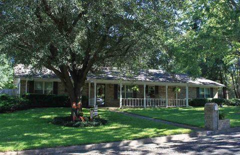 110 Inwood Oaks Dr, Henderson, TX 75652