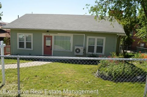 Photo of 216 Pine St, Klamath Falls, OR 97601